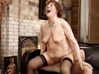 Free HD Granny Tube Seducing