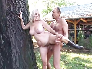 Free HD Granny Tube Outdoor